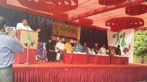 Mr. U. T. Khader responding to the key asks of wastepickers in Hasiru Habba-2015